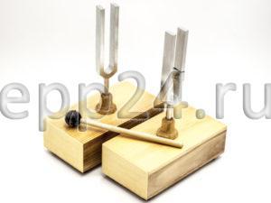 Камертоны на резонирующих ящиках с молоточком