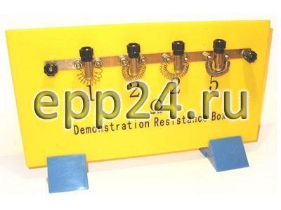 Набор резисторов на панели